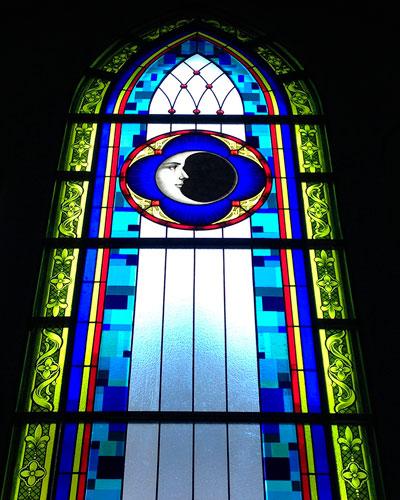 Gladys Sevillano, vitral Iglesia San Francisco de Asís